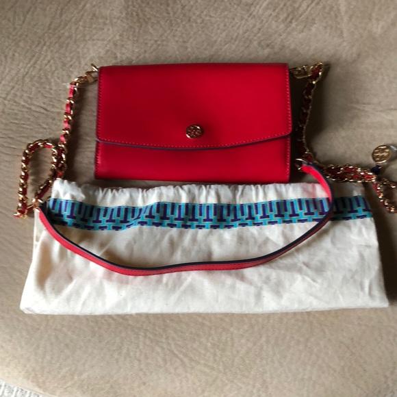 Tory Burch Handbags - NWOT Tory Burch Chain Crossbody